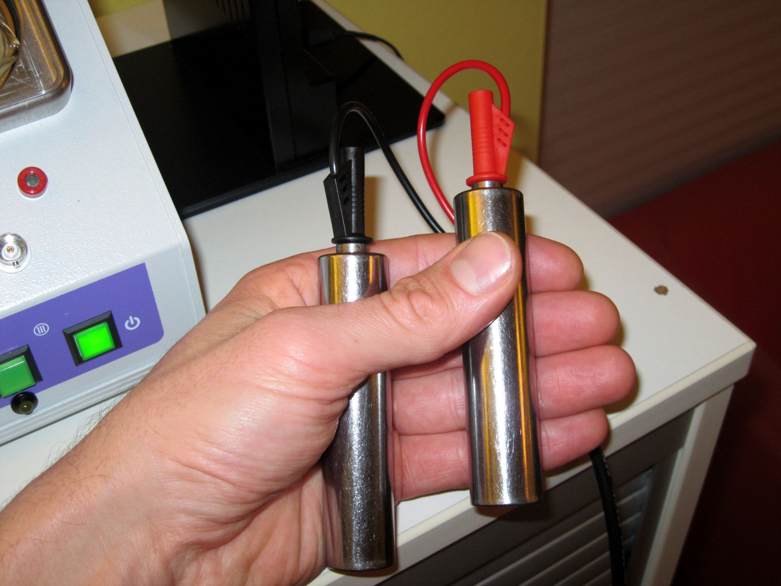 Trikombin-Zapper-Clark-Rife-Frequenzen Handgriffe