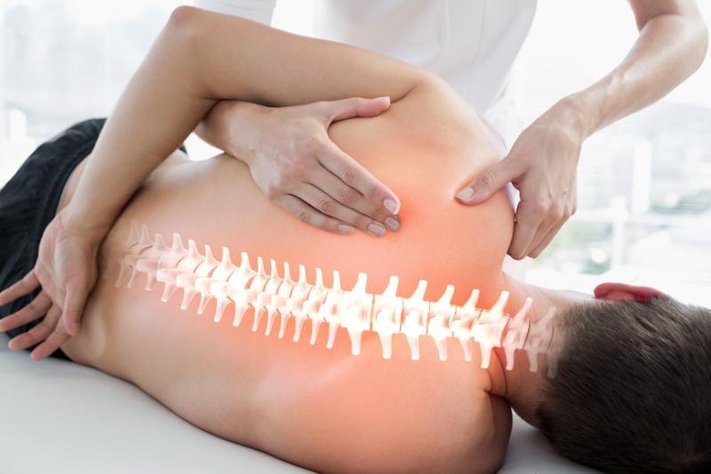 Osteopathische Behandlung bei Rückenschmerzen